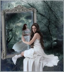 broken-mirror-sasie_katje88-7146075-1072-1190-268x300